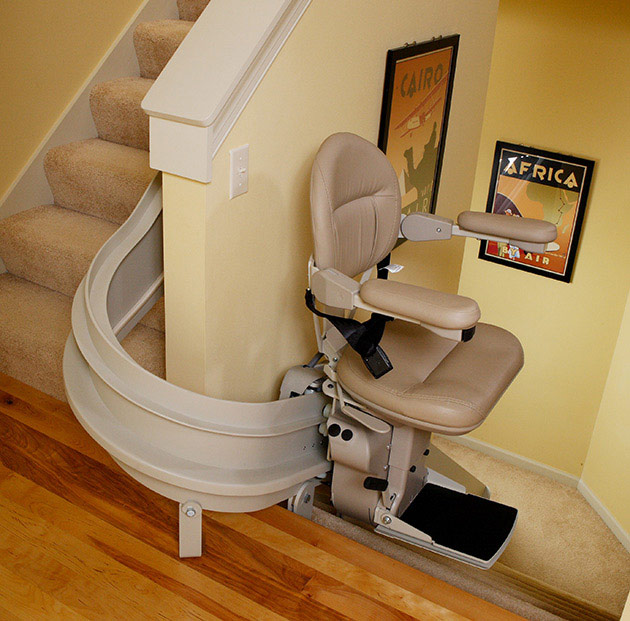 indoor curved bruno cre2110 stairlift